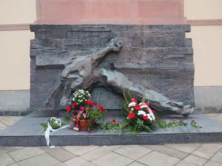 Commerating the victims of World War II