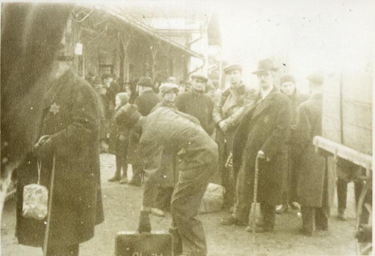 Poslední nástupiště – brněnské židovské transporty